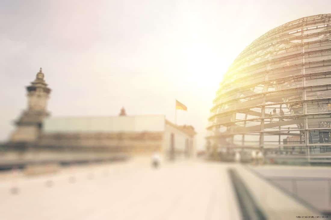Social Media in der Politik - Foto vom Reichstag